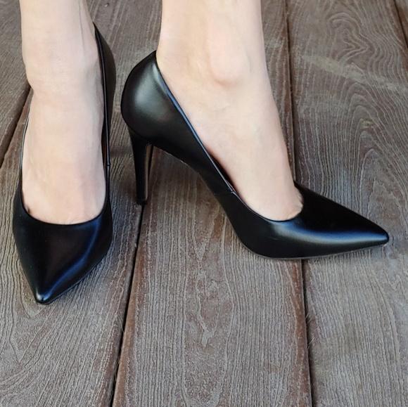 e0361a4af0 Christian Siriano Shoes | Womens Habit Pointed Pump | Poshmark